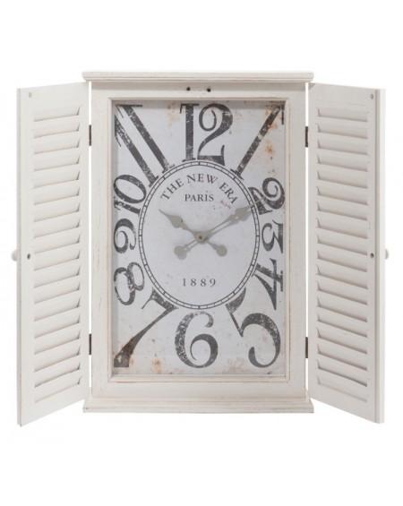 Zegar drewniany z okiennicami
