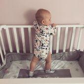 Mamy to 💪🏼 🦵🏼🦶🏻7 miesięcy 😎 Czy Wasze dzieci też tak szybko rosną? 😬 #corka #7monthsold #babygirl #dziecko #mama #mamaicorka #tata #tataicorka Body w Muminki @moominofficial