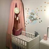 Prawie gotowe 🤱🏼👨👩👧🍼👧🏼 Łóżeczko @woodiessafedreams Pościel @dotsmylove Naklejka @dekornik_home_for_kids Pozytywka @elodiedetails Kura @la_millou Szumiś @misie_szumisie @whisbear_poland Lampka @rabbit&friends #nursery #baby #rodzew2018 #rodzewgrudniu #38weekspregnant #babygirl #babygirlroom #mommytobe #mommy #futuremama